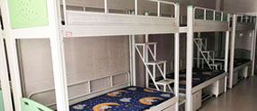 常德大学生宿舍床上铺和下铺哪个更好?